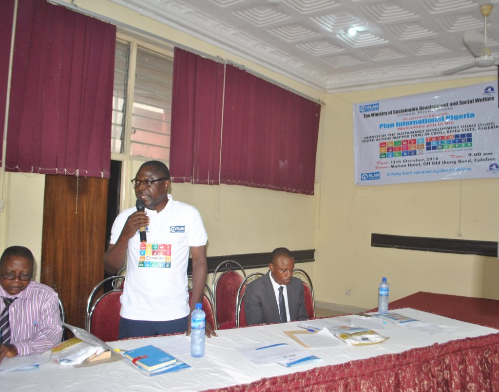 mr-francis-ejim-director-empowerment-and-bloom-project-chair-giving-the-vote-of-thanks2